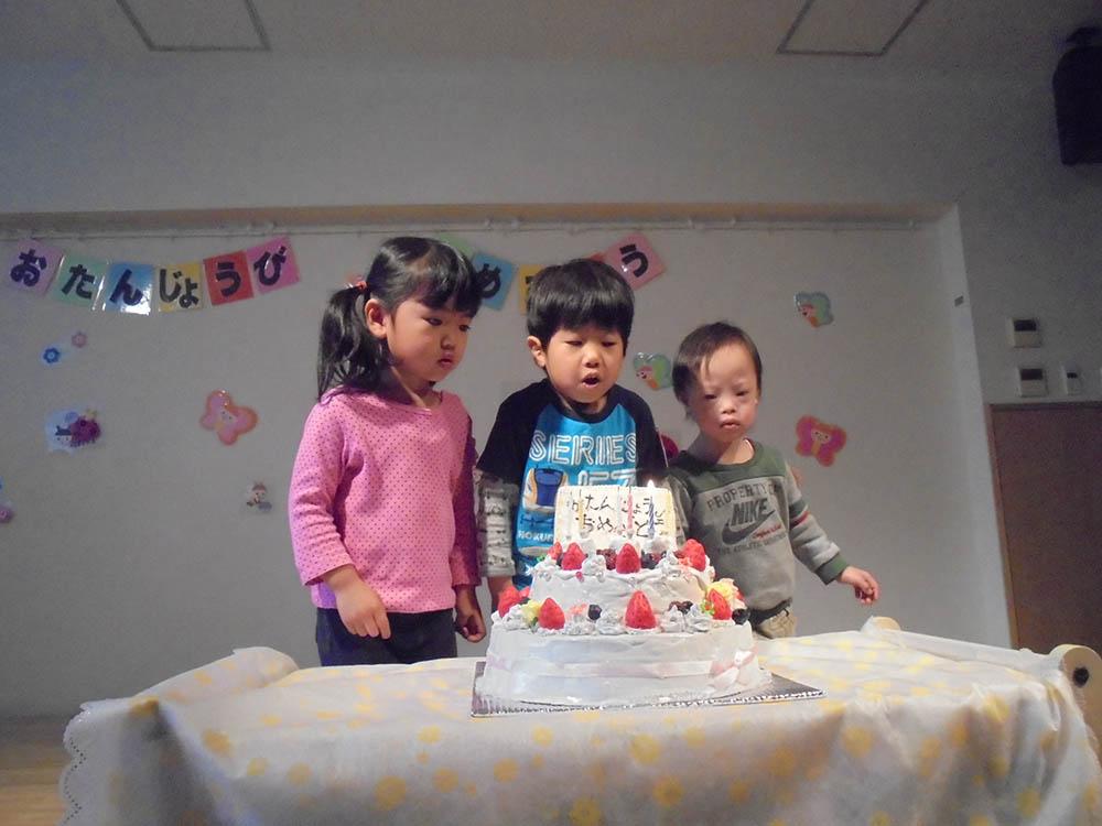 誕生会(3・4・5)とこどもの日を祝う会